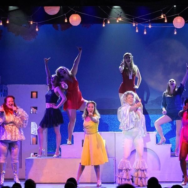 Mamma Mia At Dutch Apple Dinner Theatre 2021